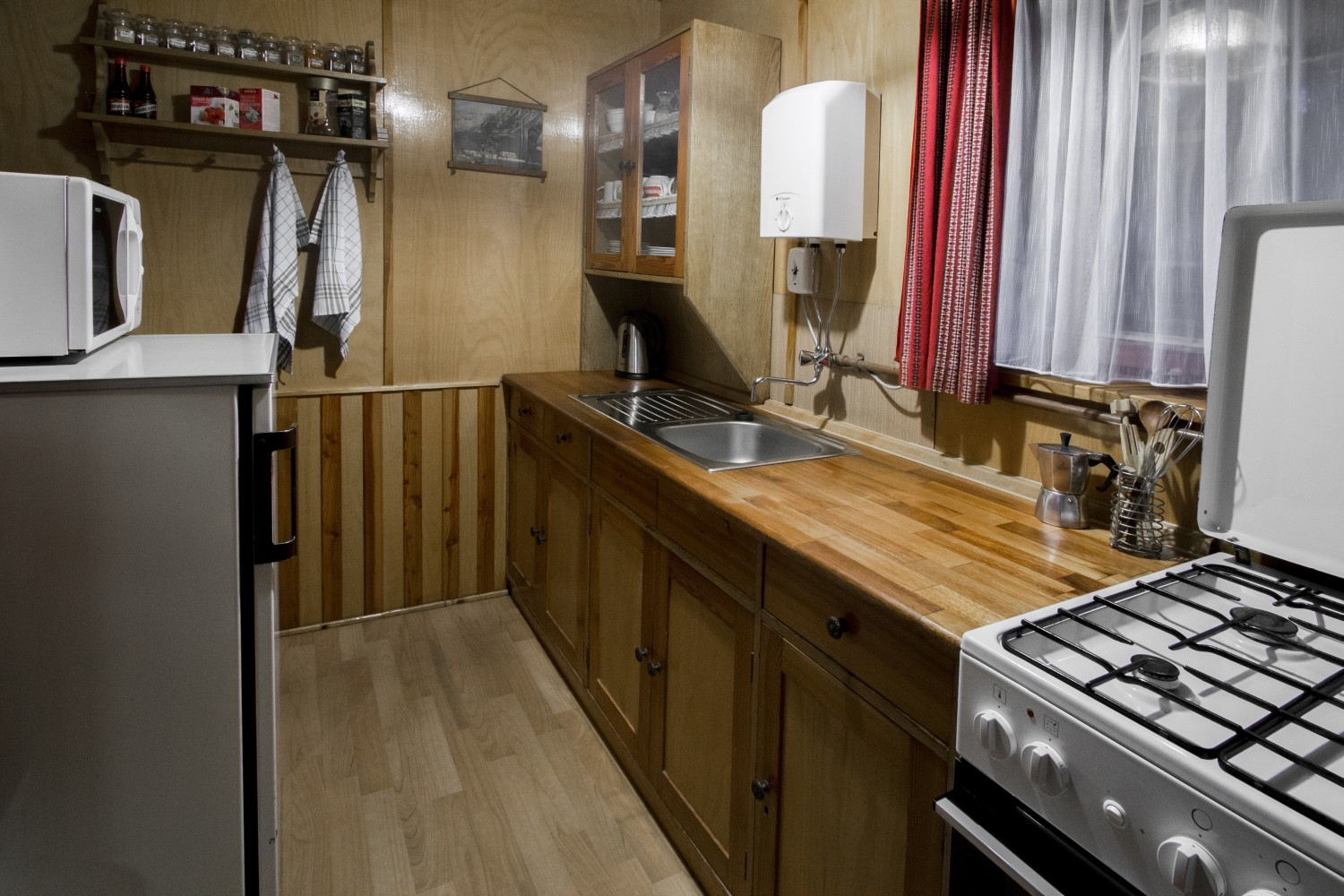 Chata 526 - kuchyn / Cottage 526 - kitchen