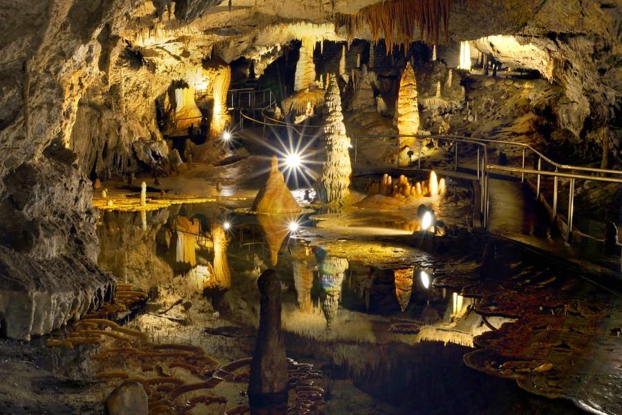 Demänovská jaskyňa slobody / limestone karst cave (22 km)