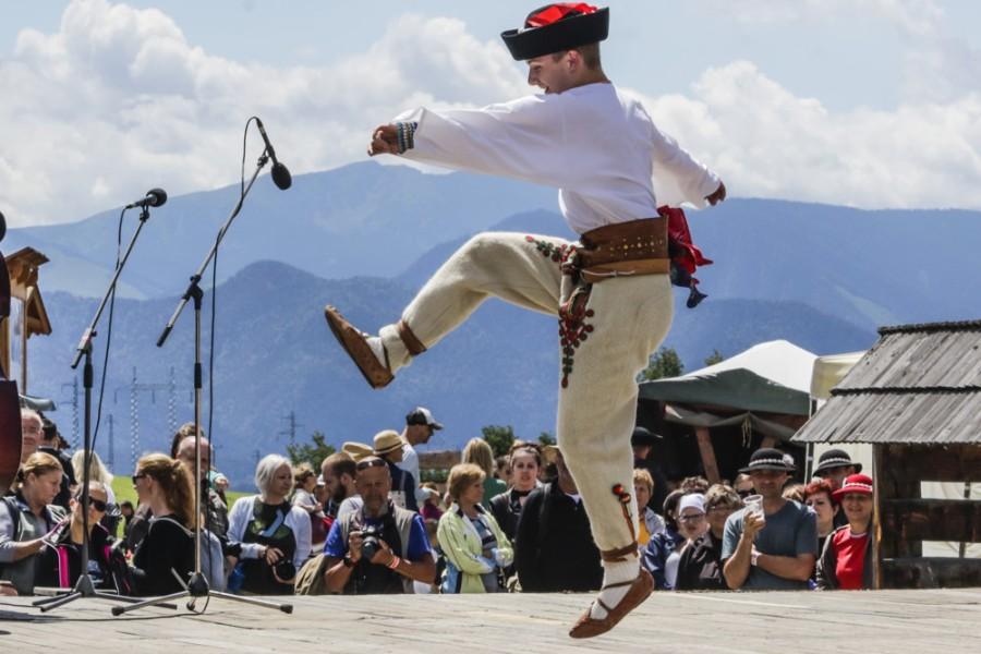 Východná - areál tradičního folklórního festivalu / folklore festival (10 km)