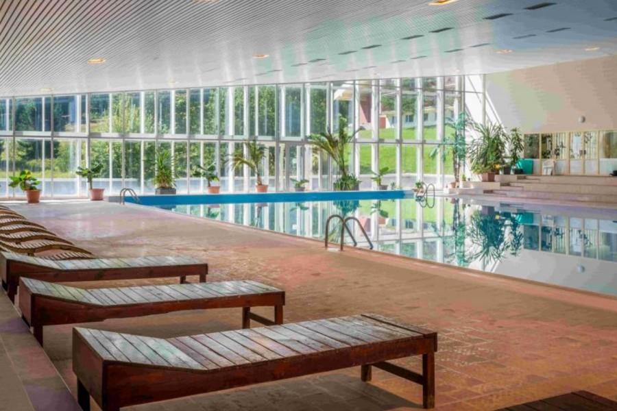 Liptovský Ján - krytý termální bazén / indoor swimming pool (9 km)